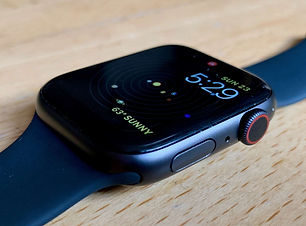 Apple_Watch_Series_4_review_Watch_side_b