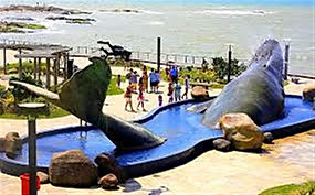 Praça da Baleia Rio das Ostras