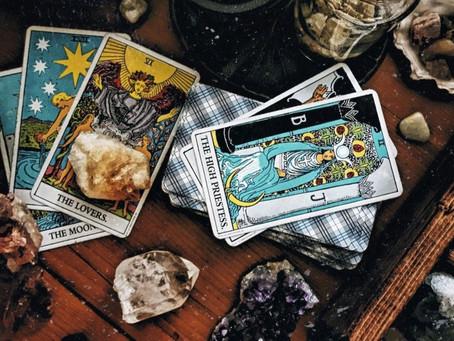 Arquétipos e Arcanos: Qual a relação entre as consciências primordiais e as cartas do Tarot?