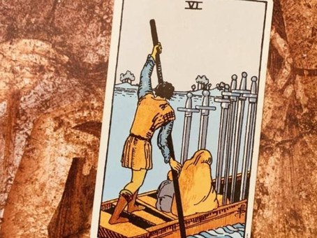 Seis de Espadas : Carta do Tarot