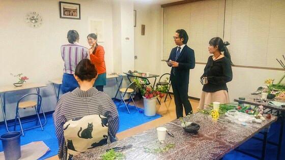 奈良のいけばな教室レポートと3分でわかる花 【奈良 いけばなを楽しむ会 蝦夷菊】