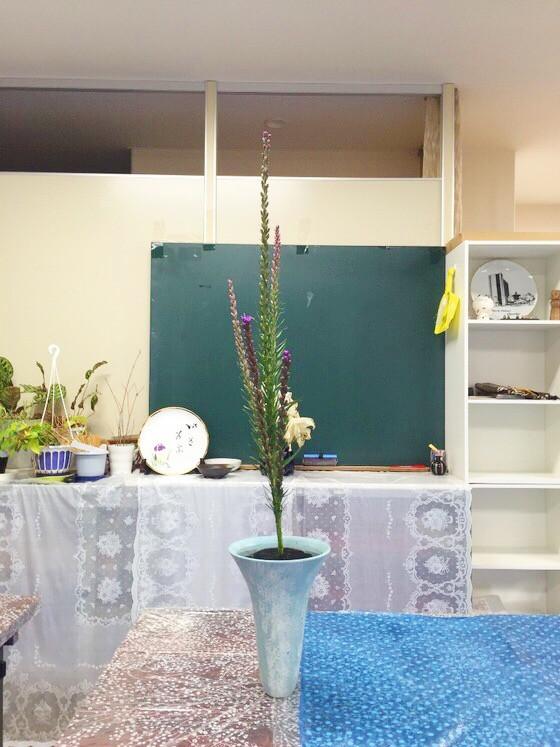 奈良の生け花教室日記と3分でわかる花を上手にいけるコツ 【奈良 高の原 日本料理おばな 葉の取り方】