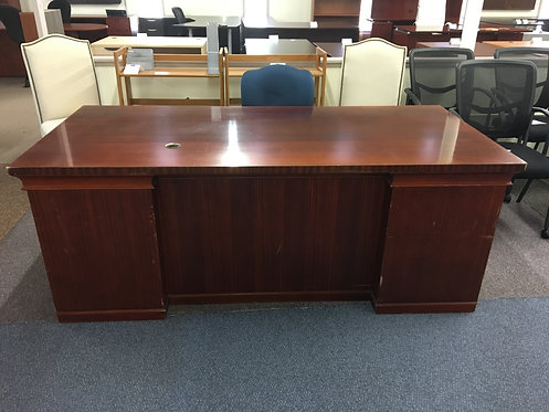 """Wood Veneer 36"""" x 79"""" Desk"""