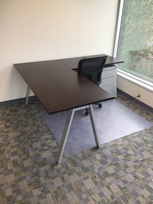 Oblique Open Desk & Return w/ Power