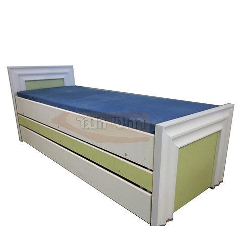 מיטת נוער משולשת עם פרופיל רהיטי הנגר