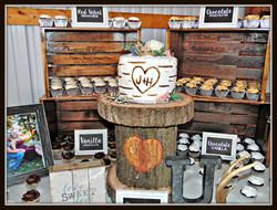 Jeremy and Hollie's Cake-Cupcake Station