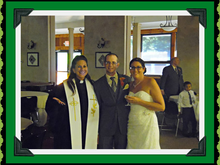 Wedding Officiant in Pa Performs Wedding Vow Ceremony at RoundTop Mountain Resort