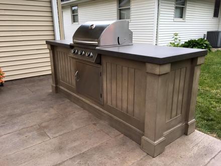 Outdoor Concrete Grill Bar