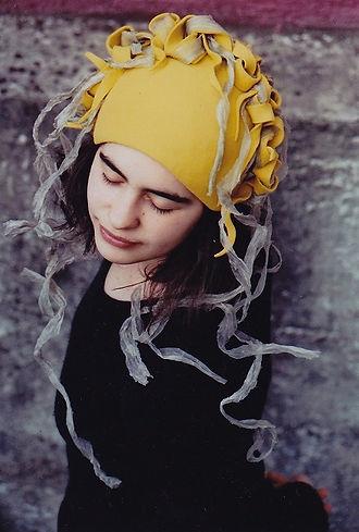 Teresa Koenig modiste Chapeaux et bijoux de tete Nantes France