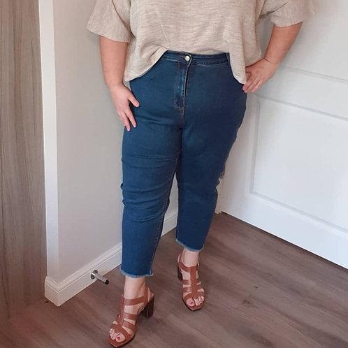 Cut-Off High Waist Mom Jeans