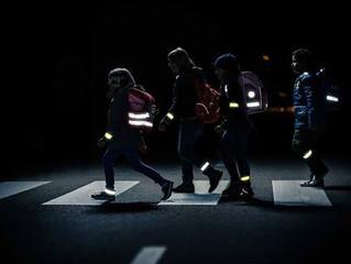 Родителей омских школьников призывают позаботиться о безопасности детей на дороге