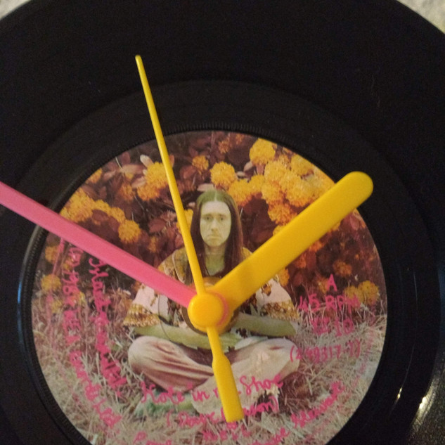 Neil (Young Ones) Clock