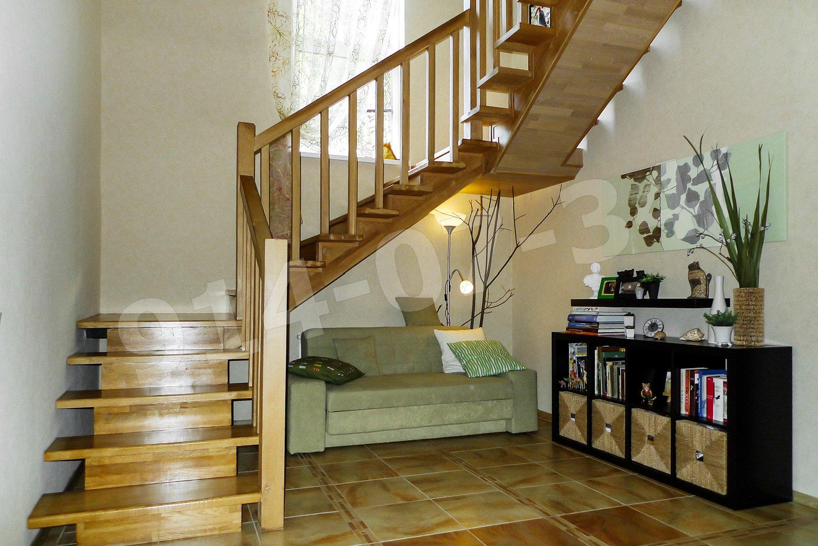 холл и лестница