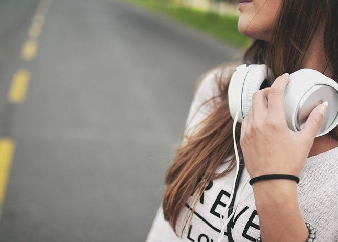 girl-869213_640.jpg