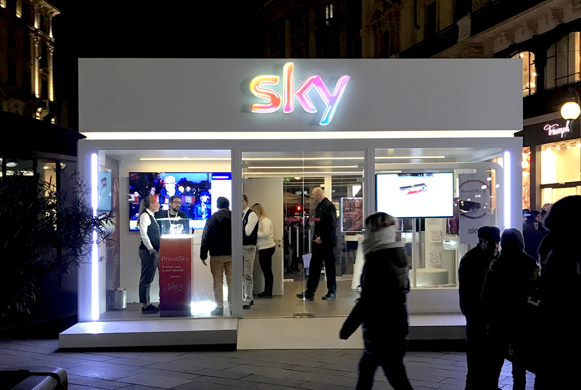 Sky for Christmas 2017, Milan