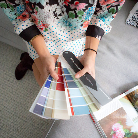 PAINTING A ROOM? SOME BASIC TIPS FOR CHOOSING THE RIGHT PAINT COLOR