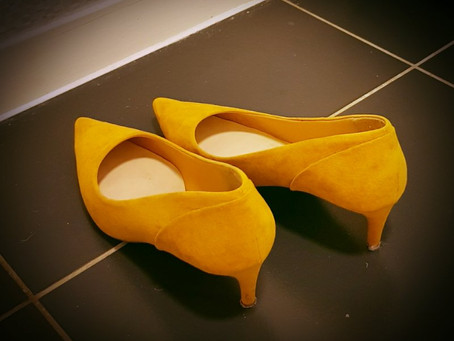 I'm not networking I'm going on a quest in yellow shoes!