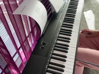 Easy Piano Hand Exercise