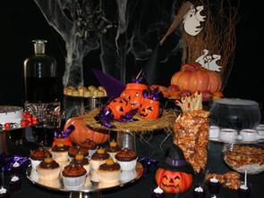 Trick or treat?! É Halloween!