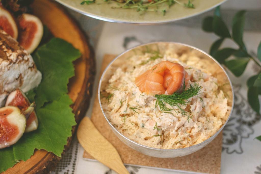 Rillette em duo de salmons(poché e defumado)ao creme fresco e dill.