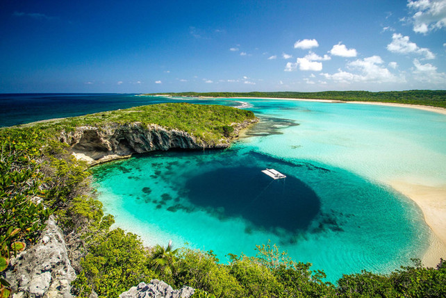 Deans Blue Hole - The deepest blue hole in the world
