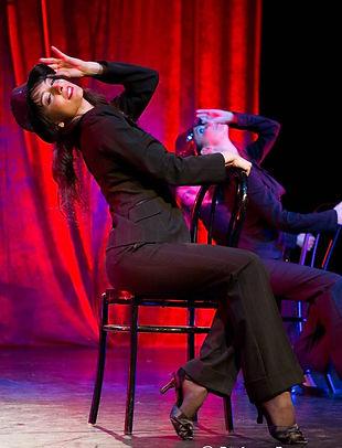 danse cabaret comedie musicale music hall revue burlesque danse feminite