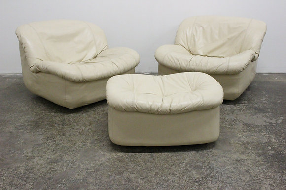 8509 Pair Swivel Lounge Chairs with Ottoman