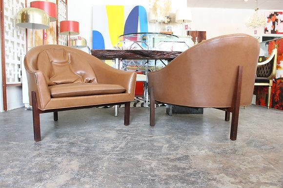 8633 Pair 3-Legged Lounge Chairs