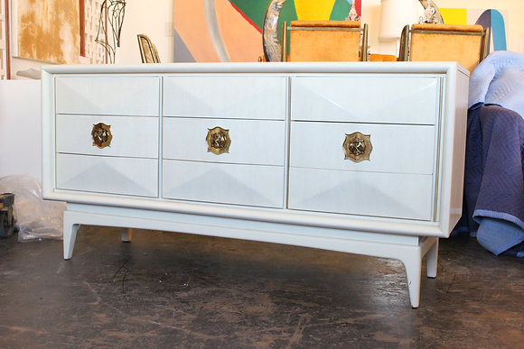 #8857 Diamond Front Dresser by United Furniture