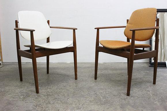 #895 Pair Arne Vodder Arm Chairs