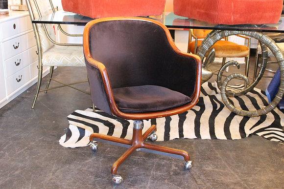 #676 Single Ward Bennet Desk Chair