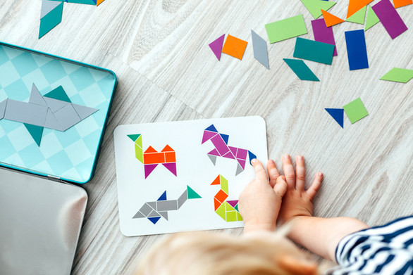 Bambino fare arte Attività