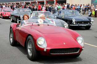 500 Ferraris Help the Fight Against Cancer 2017