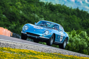 A Ferrari 275GTB/C Win at Grand Prix de l'Age d'Or