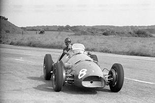 A Car from SAIPA: Robert Baird at Snetterton
