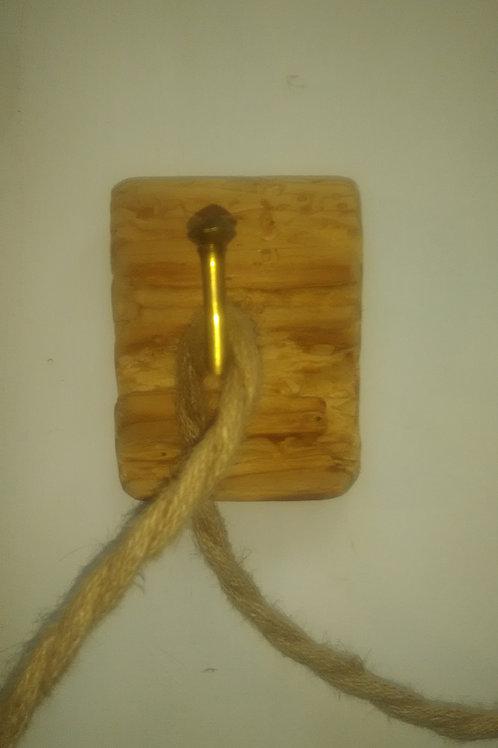 Applique porte fil bois grignotté