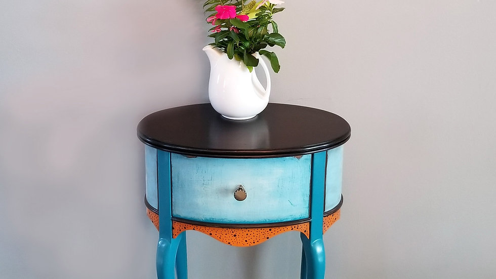 Wilma - French Side Table