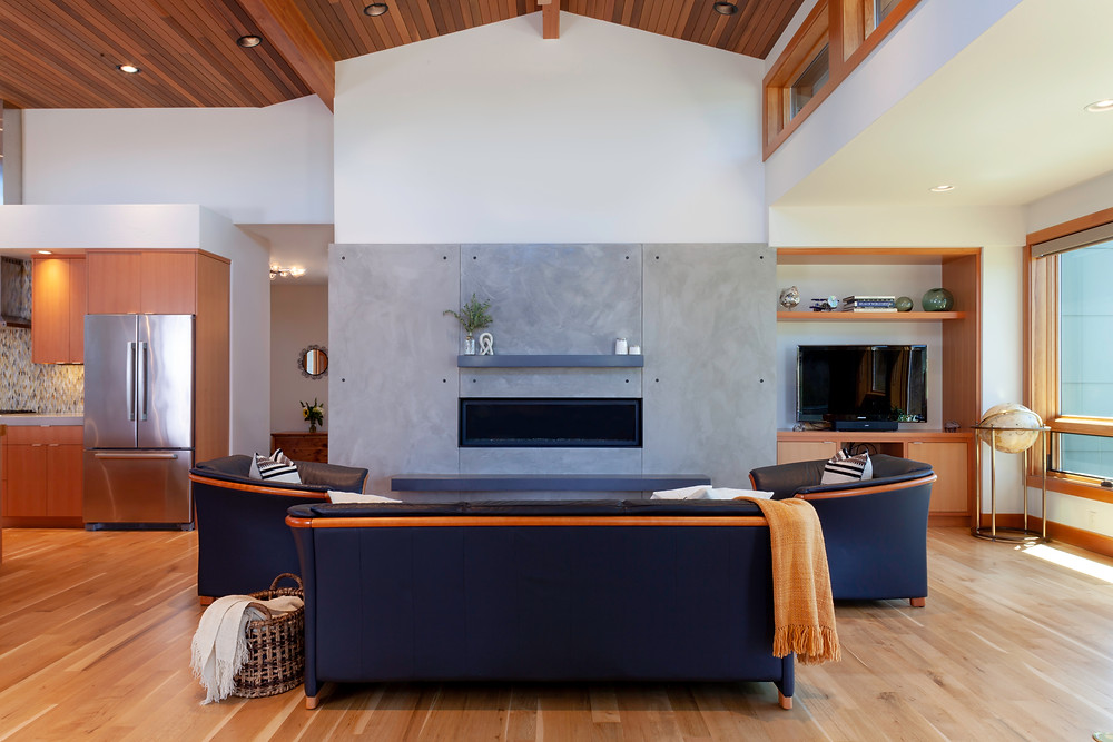 High end home in Bend designed by Karen Smuland, Architect and photographed by Cheryl McIntosh