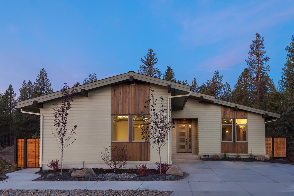 Mid-century modern MCM home designed and built by New Era Homes and photographed by architectural photographer Cheryl McIntosh