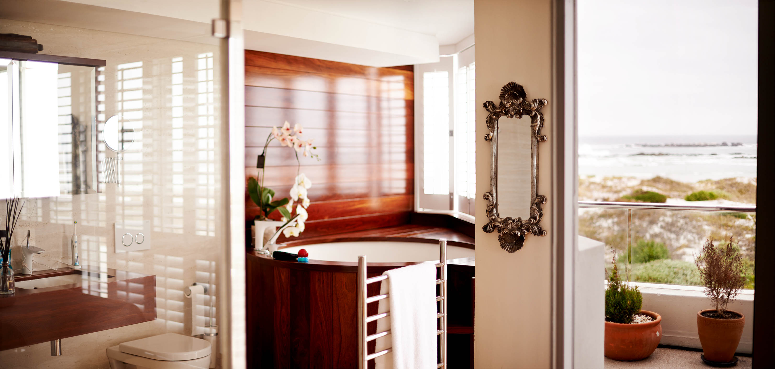 Timber Built-in Jacquzzi