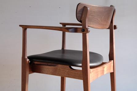 アームチェア 肘掛け椅子 ウォールナット 無垢