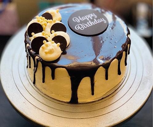 Chocolate Mud Drip Cake