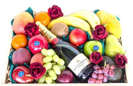 Fruit and Moet Combo