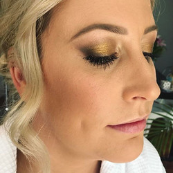 Bridesmaid from the weekend 👊_sarah_elizabeth_fraser 😍 #bridesmaid  #blend #gold #brows #melbourne