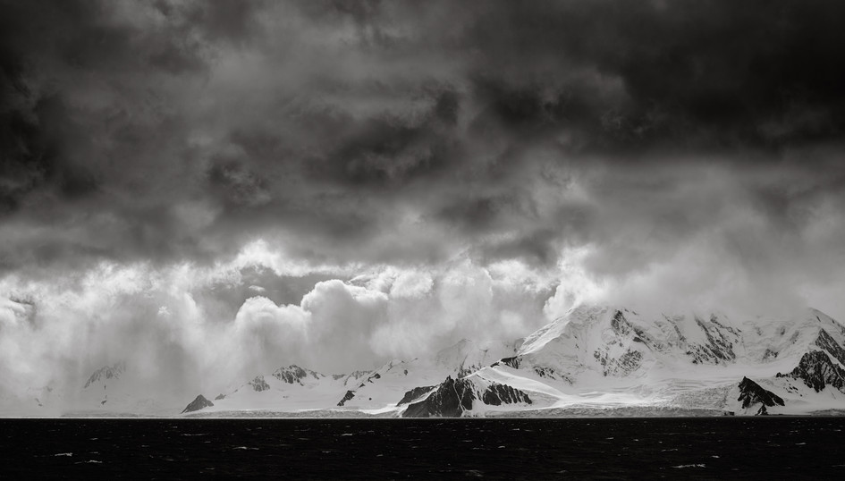 Antarctic_Storm_•_South_Shetland_Islands