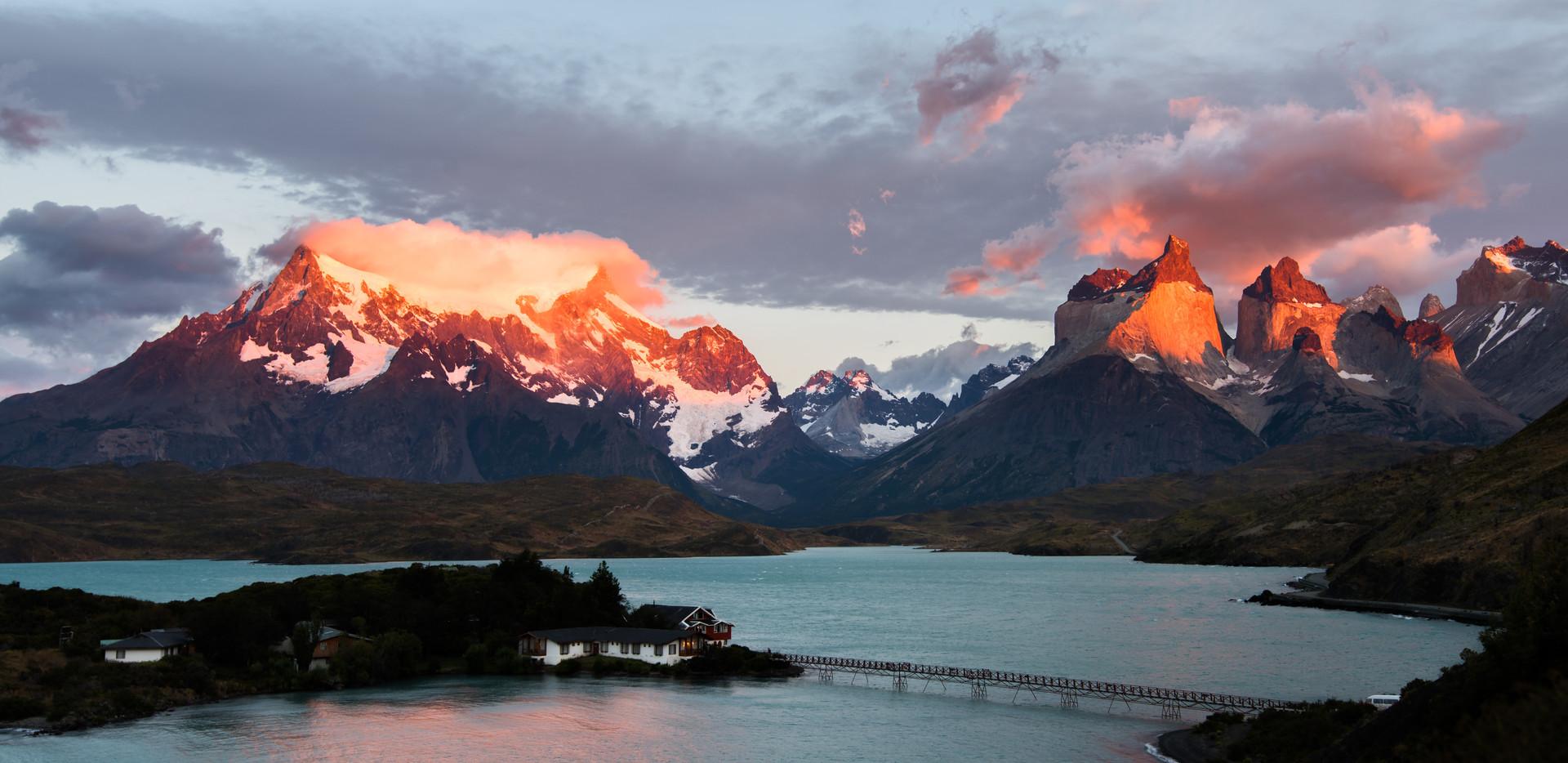 Sunrise over the Cordillera Paine.jpg