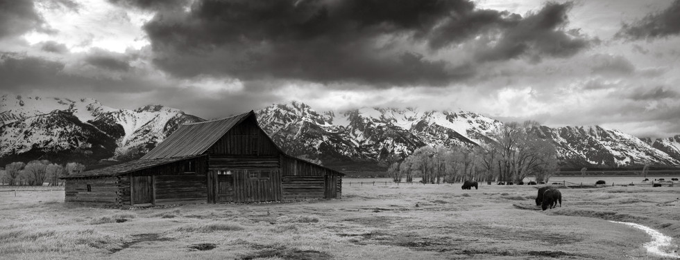 Thomas Moulton Barn.jpg
