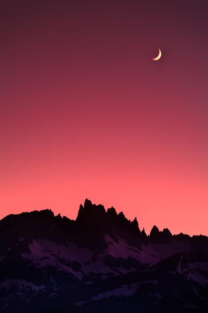 Moonset over Minarets.jpg