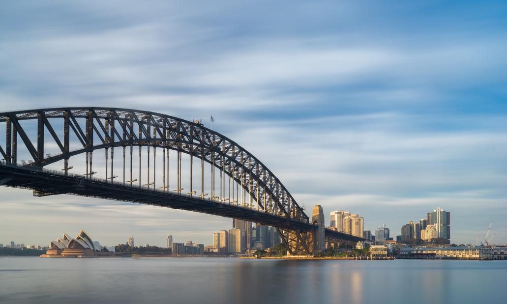 Sydney Harbour Bridge and Opera House.jp