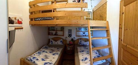 09 Kinderzimmer (3).JPG